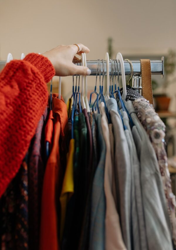 8 Best Things To Buy And Sell For Profit
